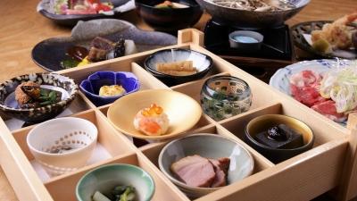 こだわりの素材を使った創作和食をご提供しております。