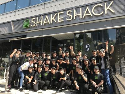 大人気のShake Shack(シェイクシャック)が御殿場プレミアム・アウトレットにオープン!