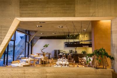 「セトレマリーナびわ湖」は、地元・滋賀の人々と訪れたお客様とを繋ぐリゾートホテル。