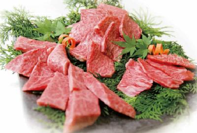 創業当時から松阪牛の一頭仕入れを行っています。良質の肉を、適正価格で提供できるよう努めています。