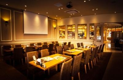 和洋中ほか、多彩なジャンルの料理が楽しめる大型レストラン。店長として、辣腕をふるってください!