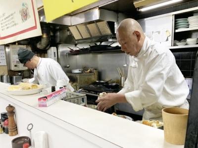 昼は洋食レストラン、夜は居酒屋として人気の当店で楽しく働きませんか!