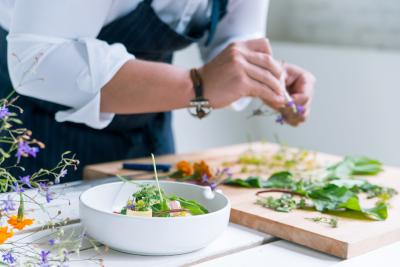 既成概念にとらわれない多種多様の美味しさを創りだしています。
