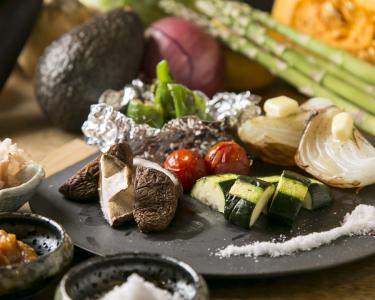 希少部位をつかった料理が大人気。メニュー開発などにもチャレンジ可能です。