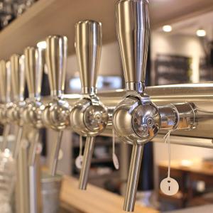 国内外にクラフトビールを発信しているメーカーが母体。安定した経営基盤のもとで長く働けます。
