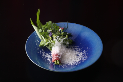 フレンチの要素を取り入れた料理も提供しています。