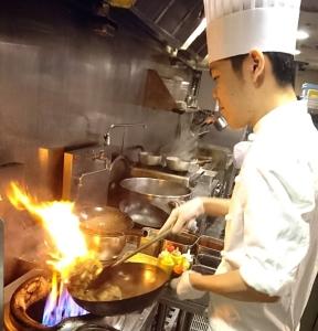 大阪・兵庫・京都エリアで展開する中華ブランドのいずれかで調理人としてご活躍ください!