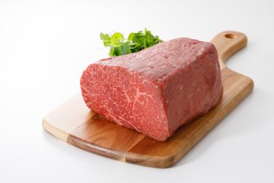 肉はオリジナルの「國和牛」を使用。肉の知識やイタリアンのスキルが磨けます。