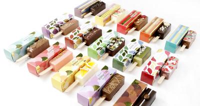 様々な素材を使用し、口どけ良く軽い食感に仕上げた、スティックチョコレート