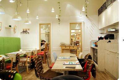 ヘルシーな料理を提供するカフェ食堂で、未来のマネージャーへとキャリアアップしませんか。