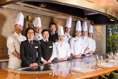 """""""すべての人々に歓びと感動をあたえること""""をミッションに掲げ、福山市内にレストランを3店舗展開。"""