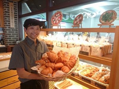 厳選した素材とパン職人の技で焼き上げる「おもてなしパン」を提供しています。