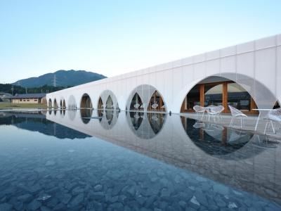 飲食と温泉の複合施設として人気のアクアイグニスが、新たな施設を2020年にオープン!※画像は既存施設