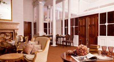 2006年に有形指定文化財に指定された、歴史ある建物をウェディング施設へと改築。