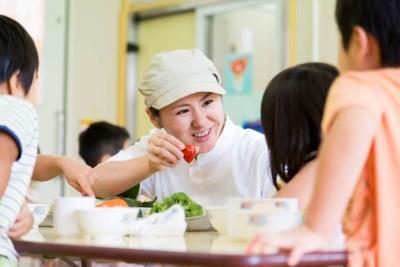 子どもたちから人気のあるメニューをはじめ、苦手克服のアレンジ料理など幅広いメニューに対応しています。