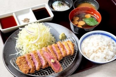千葉県内の牛カツ専門店3店舗を統括するSV候補としてご活躍ください!