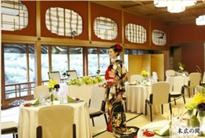 金沢きっての老舗料亭で副料理長として活躍するチャンス!婚礼や法事の利用なども多い料亭です。