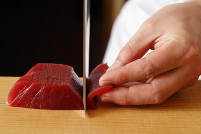 宴会場での握りも担当するので、握りの技術向上も期待できます。