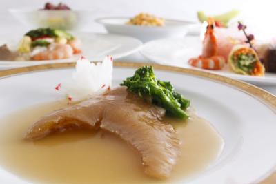 提供するのは、本場のスパイスや新鮮な食材を使用した、本格的な四川料理の数々。