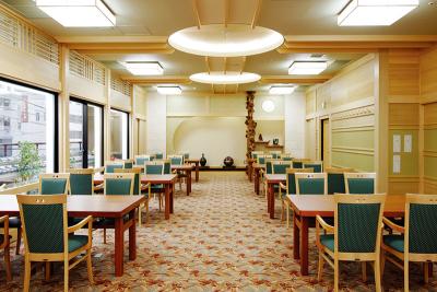 厳選されたカニを使った会席料理が自慢!日本全国で展開中の日本料理店での店長候補。働きやすい職場です。