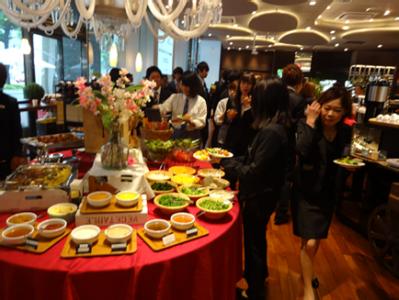ウェディングや各種パーティーも承っています。大人数向けの調理も経験できます。