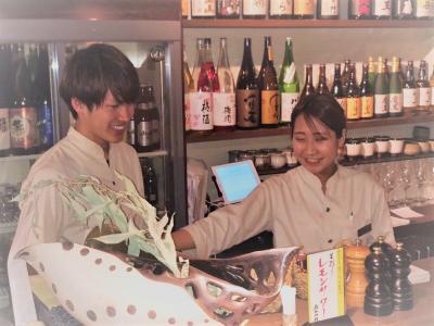美味しい料理と上質な空間づくりで、心地よくお酒が進むようなお店を築き上げています。