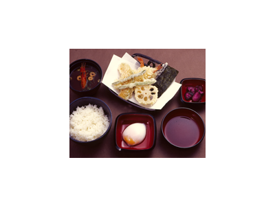 天王寺駅地下街にある、天丼専門店でのお仕事!未経験から月給27万円スタートできます。