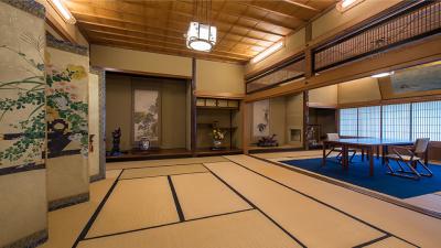 """""""北の迎賓館""""とも称され、2012年には小樽市指定歴史的建造物第75号に指定されました。"""