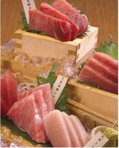 マグロをはじめとした鮮魚や肉料理を提供する居酒屋で店舗スタッフを募集します!