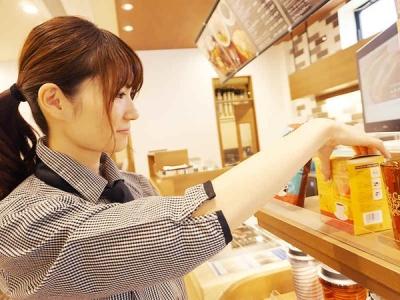 カフェバイトデビューOK!セルフカフェの店舗スタッフとして活躍しませんか。