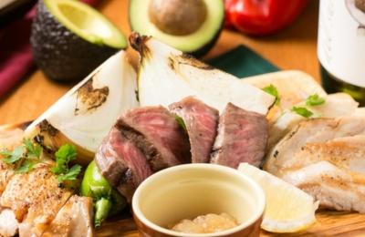 大阪市内でバルなどを展開!3店舗のいずれかで料理長候補として活躍いただく方を大募集!