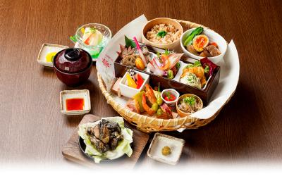 宮崎地鶏をメインに、郷土の味を提供しています