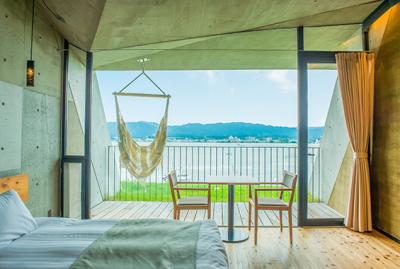 琵琶湖の湖畔に位置するホテル&マリーナ。調理経験にさらにみがきをかけませんか。