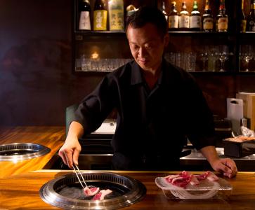 メディアの取材も多数!著名人も多く訪れる高級ひつじ肉専門店で店長候補を募集します