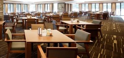 美しい森に囲まれた「総武カントリークラブ」のレストランで調理補助スタッフ募集!