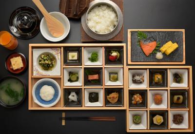 宿泊施設では、地元食材を使った和食をご提供。今後、BBQレストランなどのオープン予定もあります!