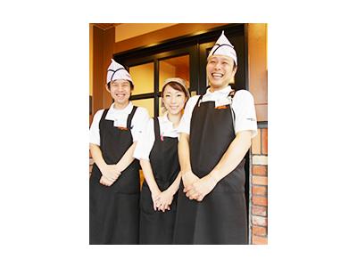 全国展開するカフェチェーンFC店で店舗スタッフを募集!幅広い年代のスタッフが活躍しています