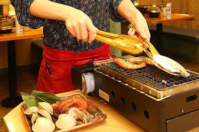 お好みの貝を好きなように自分で焼くスタイル