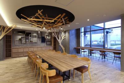 「エクレ小束台」はカフェが施設に併設されております。