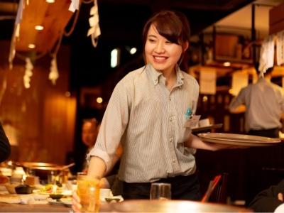 居酒屋をメインに、鉄板焼、しゃぶしゃぶ、8月には中華酒場など名古屋市を基盤に10店舗の飲食店を運営。