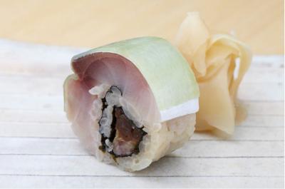 ミシュランで3つ星を獲得したお店で、世界に通用する鮨の技術が身につきます。
