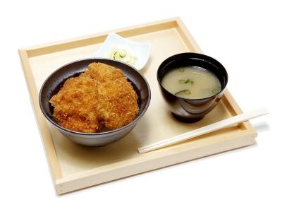 京都でオープンをむかえる「タレカツ」専門店で、将来の店長候補を募集します。