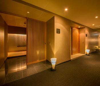 勝浦漁港の幸を堪能できる旅館でフロントスタッフを募集!