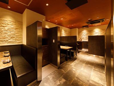 洗練された空間でお客さまをおもてなしします