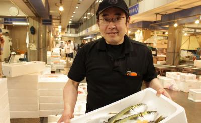 地域のお客さまに愛されている『小林鮮魚店』の本店にて、新しい鮮魚加工スタッフを募集します!