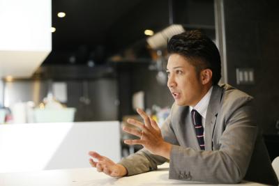 <東証一部上場>全国47都道府県に直営220店舗・FC190店舗チェーン展開し、12期連続増収増益。