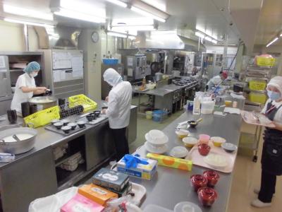 食事を通じて患者様の健康ケアに貢献できる、やりがいの大きい職場です。