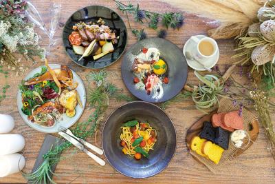大阪市福島区にある複合施設内の水上レストラン!