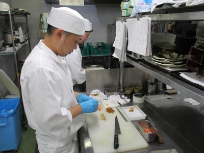 神戸ベイシェラトン内にある日本料理店で、和食の調理技術を向上しませんか。