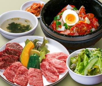 コース料理も好評です!お客様が安心して食事を楽しめるお店づくりにこだわっています。